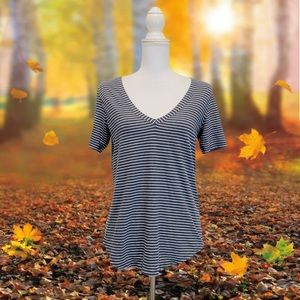 Lululemon Love Tee Stripe V Neck Top Blouse No Tag